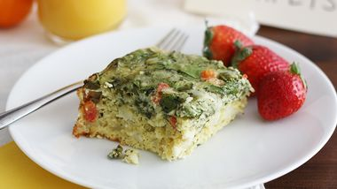 Slow-Cooker Cheesy Spinach Breakfast Casserole