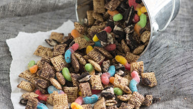 Dirt and Worms Chex Mix