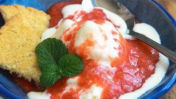Strawberry Rhubarb Ice Cream Sundaes