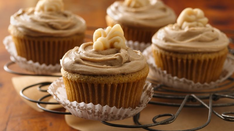 Maple Cornmeal Cupcakes with Maple-Butter Frosting