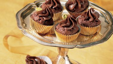 Pistachio Fudge Cups