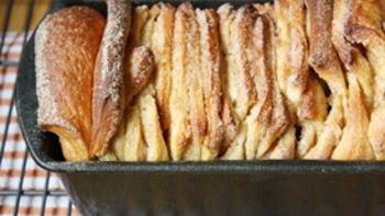 Cinnamon Browned Butter Pull-Apart Loaf