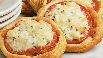 Bacon Tomato Open-Faced Rounds