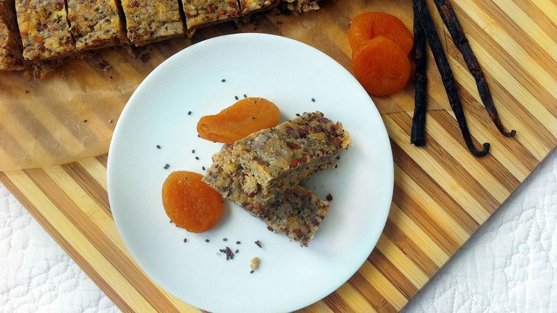 Quinoa, Vanilla and Lavender Tea Bars