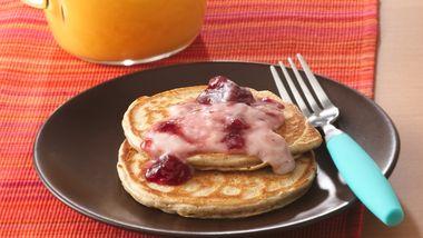 Pancakes with Yogurt Topping