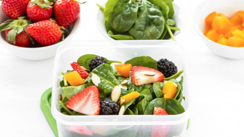 Fruit and Spinach Salad