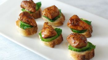 Mint Julep Chicken Crostini