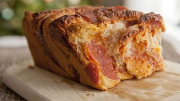 Layered Pepperoni Pizza Pull Apart Loaf
