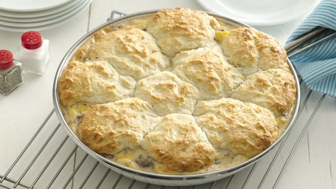 Biscuit and Sausage Gravy Skillet