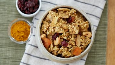 Curried Granola Snack Mix