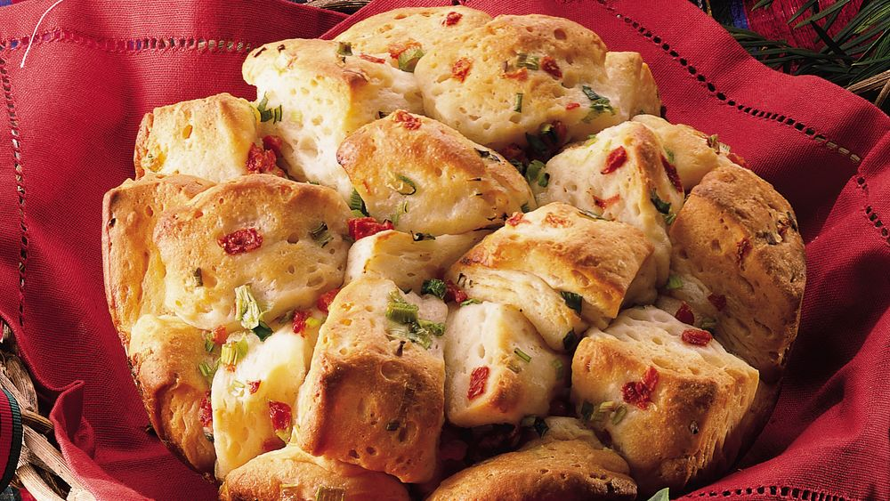 Green Onion and Pimiento Bubble Loaf