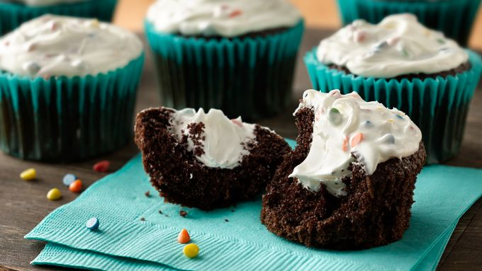 Chocolate-Marshmallow Cream-Filled Cupcakes