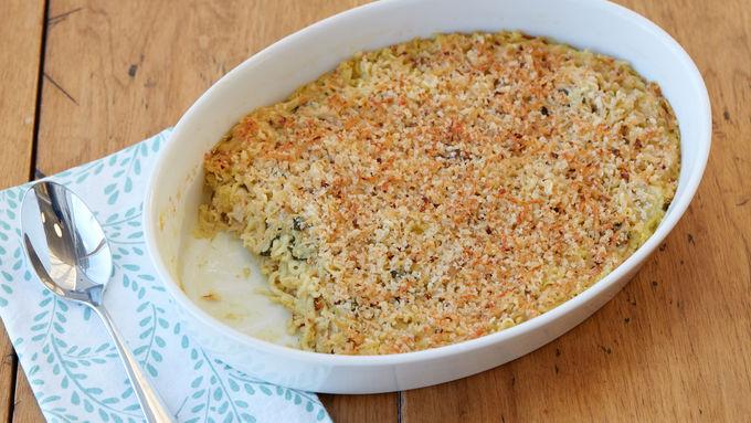 Chicken, Spinach and Artichoke Ramen Bake