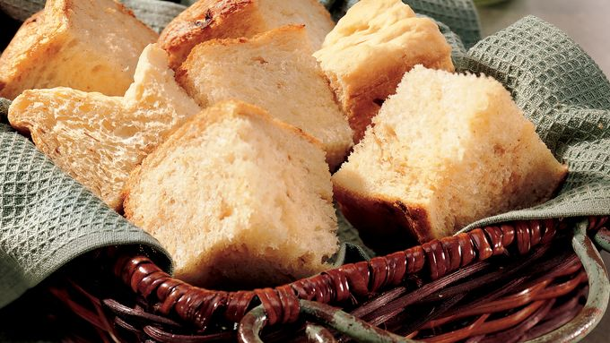 Bread Machine Caramelized-Onion Bread