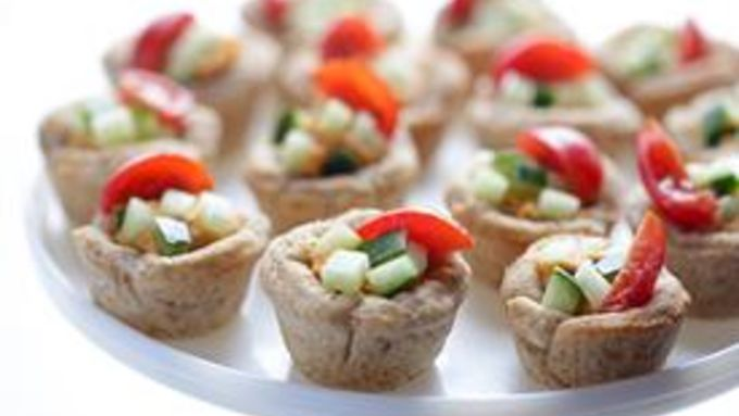 Hummus Cups with Zucchini and Tomato