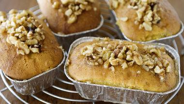 Easy Whiskey-Vanilla Poke Cakes