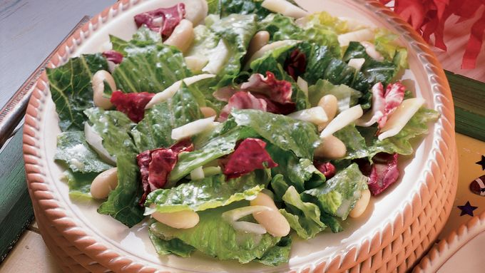 Tossed Greens and White Bean Salad