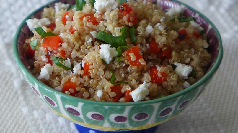 Ensalada de Quinoa con Pimiento Rojo Asado y Queso de Cabra