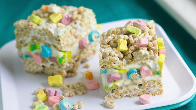 Lucky Charms Ice Cream Cake Ingredients