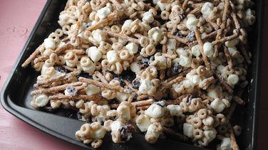 Botana con Cheerios™ y Chocolate Blanco