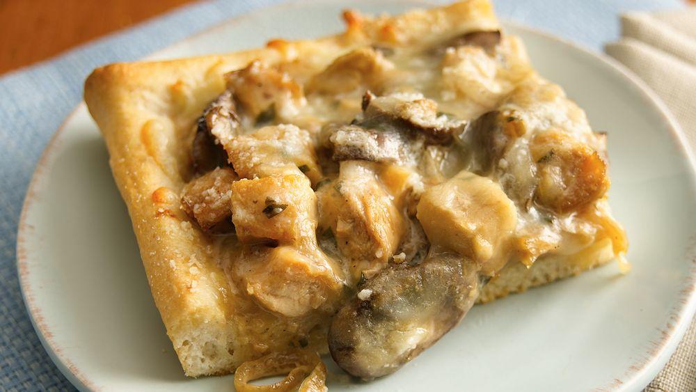 Creamy Chicken Marsala Pizza