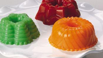 Creamy Strawberry Gelatin Mini Molds