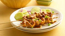 Pollo Satay Asado con Ensalada de Pepinos