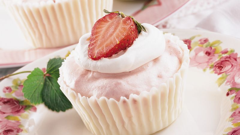 Strawberry Mousse In White Chocolate Cups