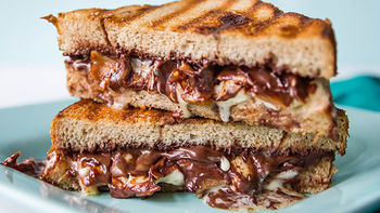 Grilled Chocolate Sandwich with Apples and Brie