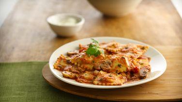 Ravioles con Salsa de Tomate Alfredo