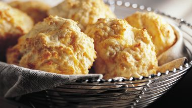 Bisquick Heart Smart® Cheese-Garlic Biscuits