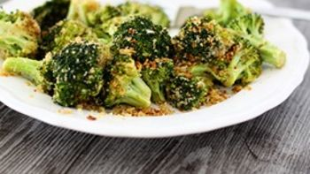 Parmesan Crusted Balsamic Roasted Broccoli