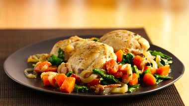 Skillet Chicken Thighs with Bacon and Spinach