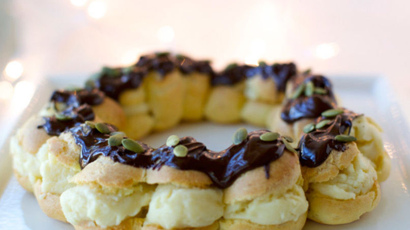 Frosted Creampuff Rosca de Reyes