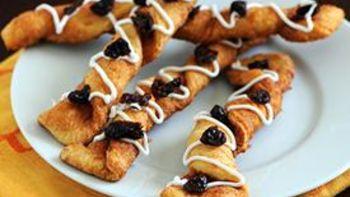 Cinnamon Raisin Crescent Breadsticks