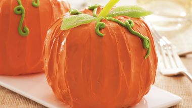 Mini Pumpkin-Spice Cakes