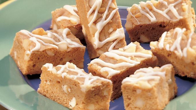 White Chocolate-Macadamia Nut Bars