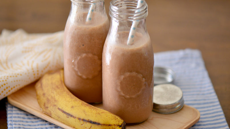 Peanut Butter, Banana and Cocoa Smoothie