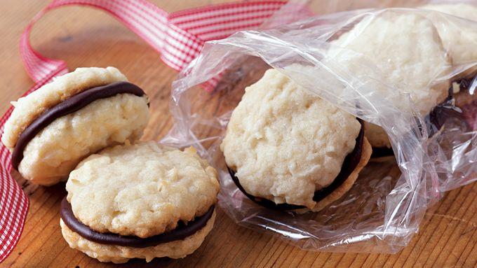 Sugar Cookie Macaroon Sandwiches