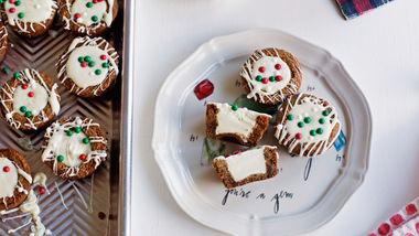 Gingerbread White Chocolate Cookie Cups