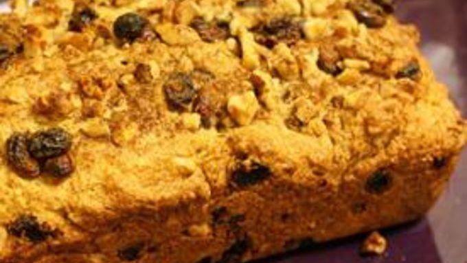 Peeta's Raisin Nut Bakery Bread