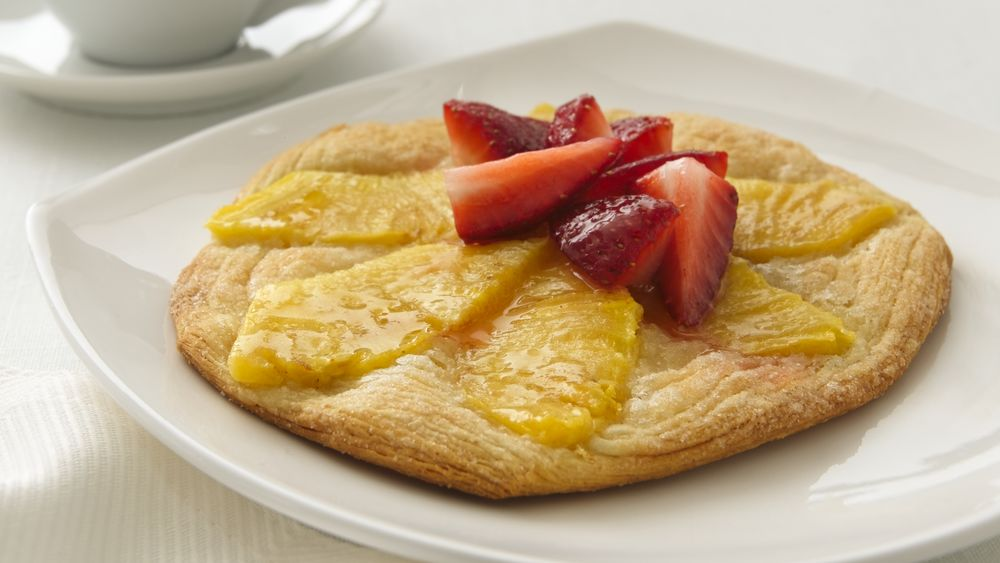 Peach and Strawberry Fruit Pizzas