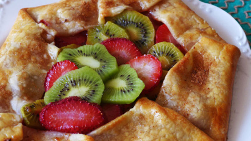 Thin Strawberry and Kiwi Fruit Tart