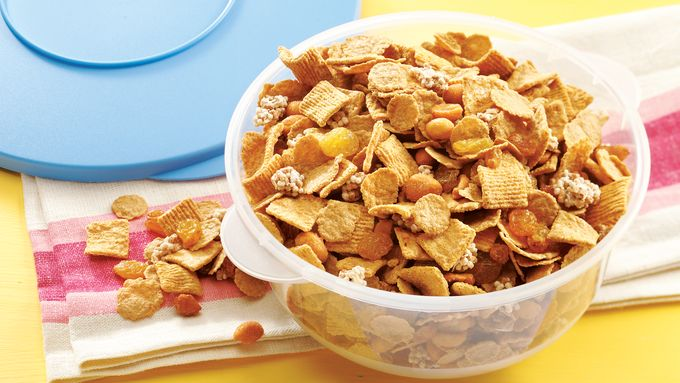 """Beary Good"" Snack Mix"