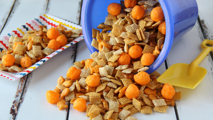 Beach Ball Party Chex Mix™