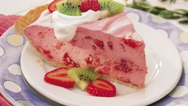 Fluffy Strawberry Pie