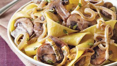 Pasta with Creamy Herb Mushroom Sauce