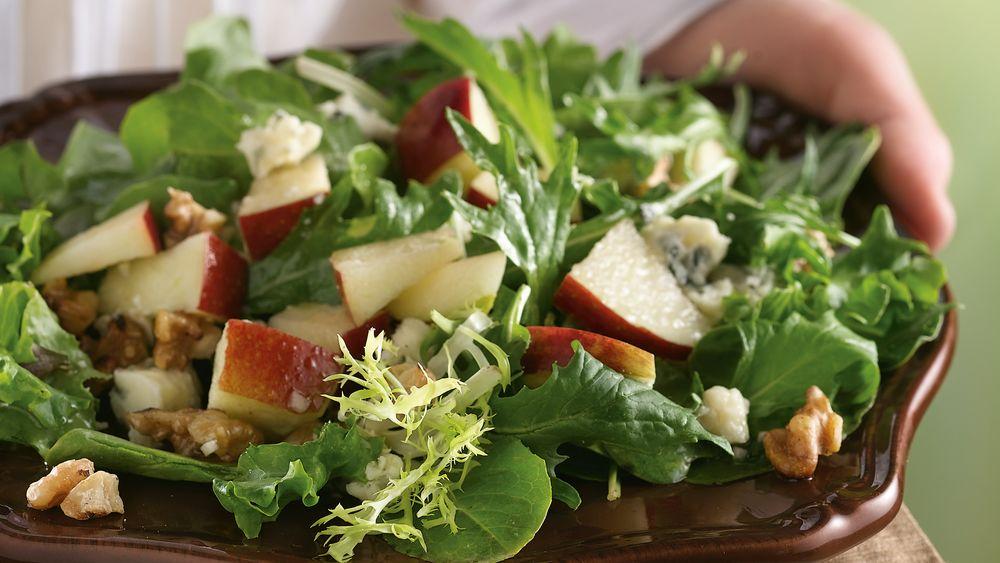Apple-Gorgonzola Salad with Red Wine Vinaigrette