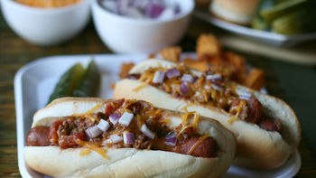 Slow-Cooker Chili Dogs