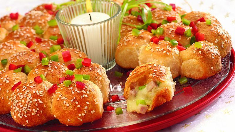 Festive Ham and Cheese Wreath